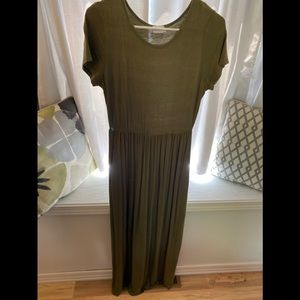 Olive Maxi Dress with Pockets!